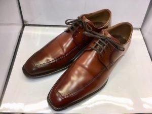 リーガルUチップの茶色の靴